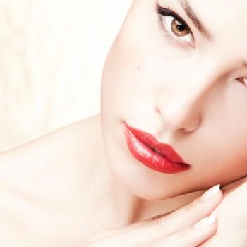 Promociones San Valentín Rejuvenecimiento Facial Barcelona relleno Labios Hilos Tensores Vitaminas Hialurónico